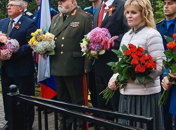 Открытие мемориала воинам, погибшим в боях за Родину, на месте братского захоронения в селе Спас-Заулок